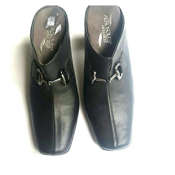 AEROSOLES Shoes | Black Mules Size 7